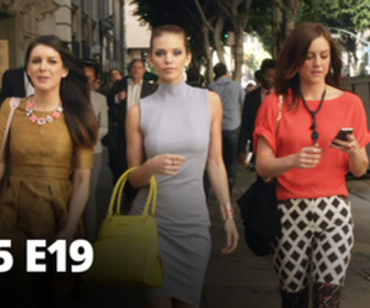 Replay 90210 Beverly Hills : Nouvelle Génération - S05 E19 - New York, New York